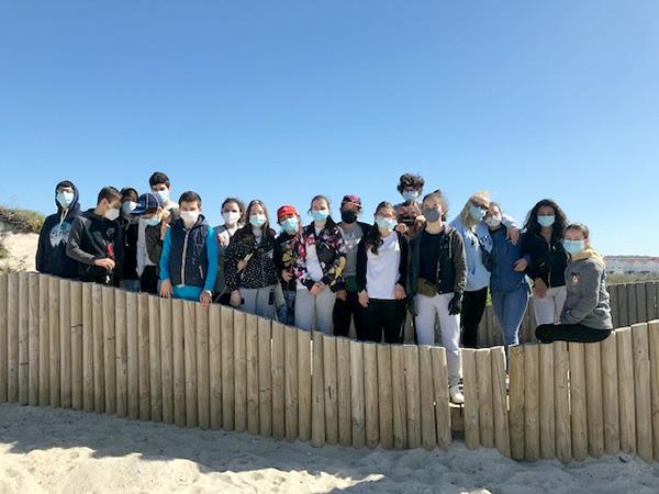 8ºC e 8ºA - Operação de limpeza na praia do Furadouro.