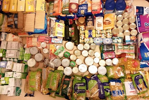 A.E. - Recolha e entrega de alimentos.